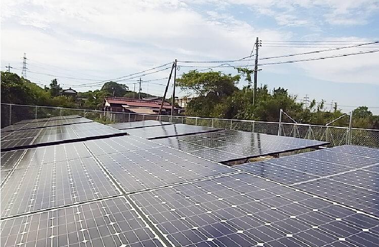 日立建設保有地のソーラーパネル